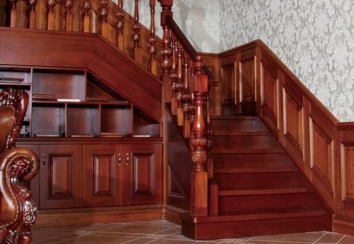 为什么实木楼梯会有色差呢